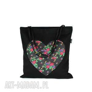 Czarna eko torba bawełniana na zakupy z folkowym sercem