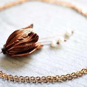 magiczny kwiat różowo pozłacany łańcuszek - perły, zawieszka