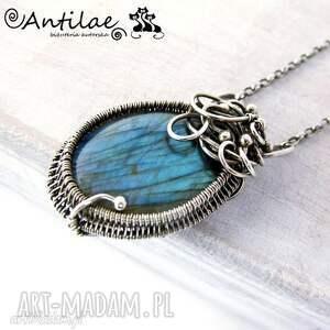 Naszyjnik wire-wrapping z niebieskim labradorytem, srebrny naszyjnik, labradoryt