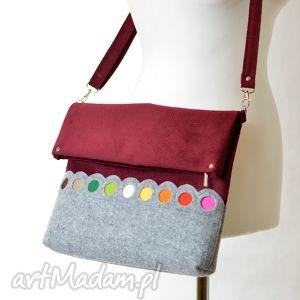 bordowa torba na ramię składana - z kolorowymi kropkami, filc, bordo, energetyczna