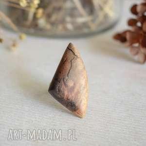 geometryczny pierścionek z drewna i żywicy, pierścionek, drewniany
