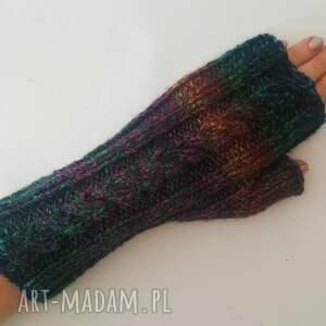 prezent na święta, rękawiczki jesienne, ciepłe, modne, dziergane, awangardowe
