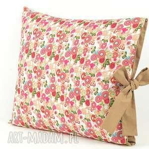 poszewka na poduszkę z beżową kokardą, poduszka, oryginalna, prezent, kwiaty