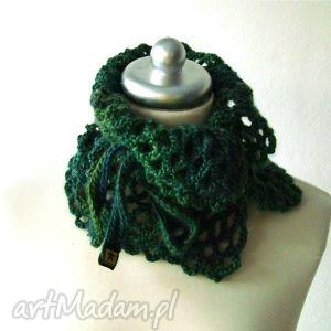 otulacz w zieleniach, wiązany - otulacz, szaliczek, szalik, apaszka, ażur