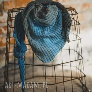 by monica chusta szal w odcieniach nieba, shawl, bawełna akryl, na szydełku