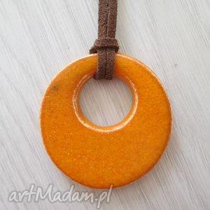 Ceramika Ana. mandarynkowy wisiorek