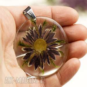 Naszyjnik z prawdziwymi kwiatami zatopionymi w żywicy z1384
