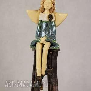 Anioł-ceramiczny siedzący, anioł-ceramiczny, ręcznie-wykonany