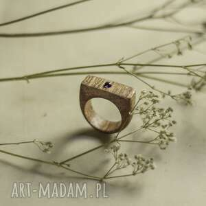 drewniany pierścionek z ametystem, pierścionek, ametystem