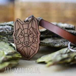 ręcznie wykonane breloki brelok do kluczy wilk origami z drewna orzech brązowa
