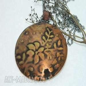 wisiorki medalion z mosiądzu pokryty miedzią -n94, wisior, metaloplastyka