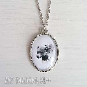 naszyjniki medalion, naszyjnik - niedźwiedź owalny, naszyjnik, medalion