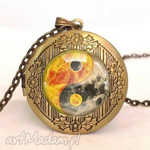 yin yang - sekretnik z łańcuszkiem - księżyc, słońce