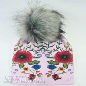 czapka beanie pompon z futra - kwiaty, nadruk, jenot, pompon, czapa, czapka