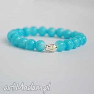 bracelet by sis srebrna czaszka w niebieskich koralach