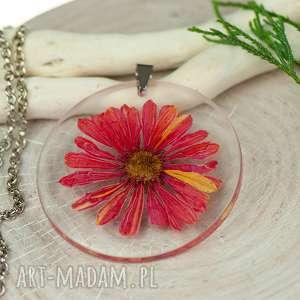 naszyjnik z prawdziwymi kwiatami zatopionymi w żywicy z466, biżuteria żywicy