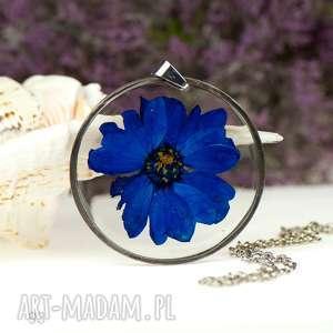 handmade naszyjniki naszyjnik z suszonymi kwiatami w żywicy i cynie z93