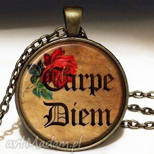 carpe diem - duży medalion - sentencje, naszyjnik, napisem