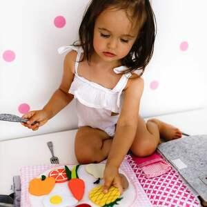 zabawki timosimo - ksiązeczka sensoryczna quiet book dla dziewczynki od 3 lat