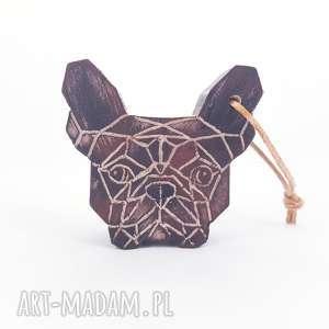 Brelok Buldożek, bulldog, buldożek, brelok, drewno, geometryczny, pies
