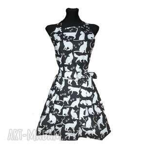 fartuch kuchenny sukienkowy wzór koty, fartuszek sukienkowy