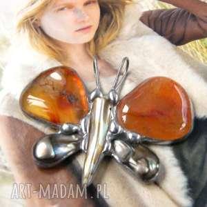 pod choinkę prezenty, wisiorek motyl z karneolem