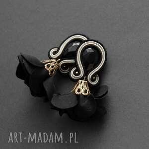 Kolczyki sutasz z kwiatkiem sisu sznurek, eleganckie, wyjściowe