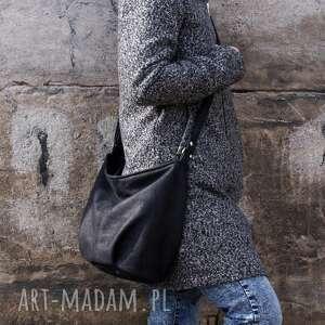 na ramię mini sak czerń faktura srebro, worek, boho, hobo, torba, torebka