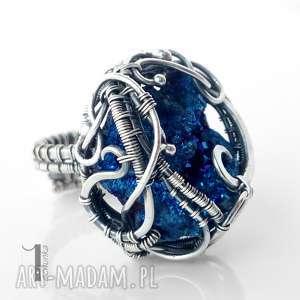Prezent Osobliwość - Blue Sky Rose srebrny pierścień z kwarcem tytanowym