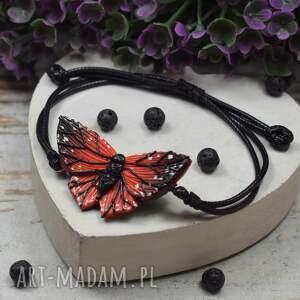 regulowana bransoletka motyl w odcieniach czerwieni i czerni
