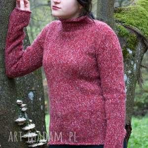 Swetry dizajnerskie. Sweter długi, ciepły, o prostym