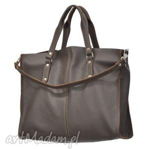 30-0017 brązowa torebka skórzana z paskiem i kontrastowymi przeszyciami rook, modne