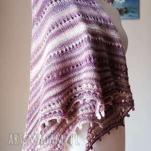 magnolie pudrowo-różana chusta, rękodzieło, chusta na drutach, ręcznie wykonana
