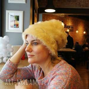 damska futrzana czapka bezowa, futro, ciepła, czapka, boho, etno, zima