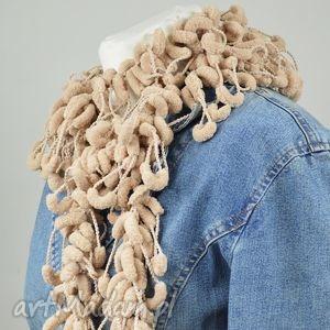 pom-pon scarf - beżowy - szal, fantazyjny, kobiecy, elegancki, prezent, beże