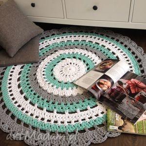 Ręcznie robiony okrągły dywan ze sznurka bawełnianego połączenie mięty, szarości i
