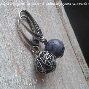 szarotka jeansowe kolczyki z korala i srebra, koral gąbczasty, srebro oksydowane