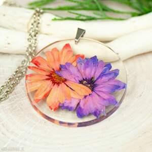 Prezent Naszyjnik z suszonymi kwiatami, medalion kwiatem, kwiaty w żywicy z329