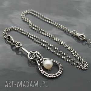 Srebrny wisiorek z naturalna perłą, srebrny, wisiorek, wisior, wisiorek-z-perłą