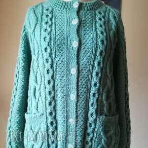 swetry gruby sweter na drutach, rękodzieło, sweter, swetrzysko, mięta, warkocze