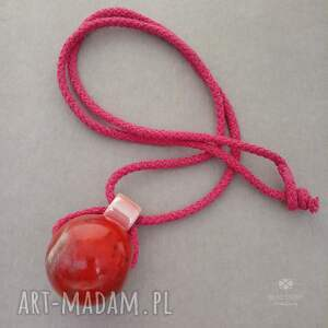 bead story wisior z czerwoną kulą, naszyjnik eko, biżuteria korale
