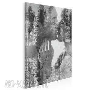Obraz na płótnie - pocałunek miłość w pionie 50x70 cm 43402 vaku