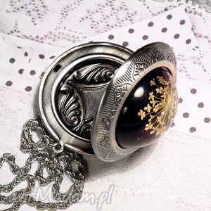 sekretnik z prawdziwymi kwiatami :: doskonały na prezent, medalion, pendant, srebrny