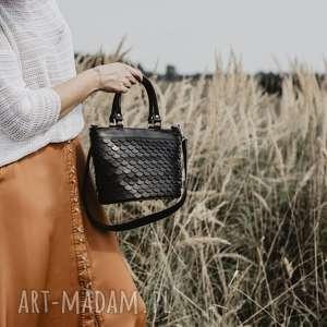 torebka łuska-koszyk, czarna, torebka, skóra naturalna, do ręki