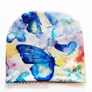 czapka motyl pstelowy, pastele, pastelowe kolory motylki, akwarela