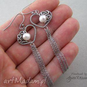 handmade kolczyki długie kolczyki serca z perłami, wire wrapping, stal chirurgiczna