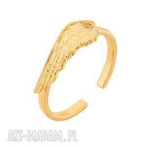 złoty pierścionek ze skrzydłem, pierścionek, pozłacany, skrzydło, elegancki