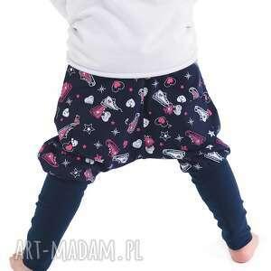 spodnie z kieszenią kangurką trampki, bawełna, handmade, jesień