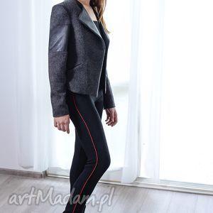 Prezent Żakardowe spodnie z czerwoną wypystką, spodnie, rurki, żakard, czarny