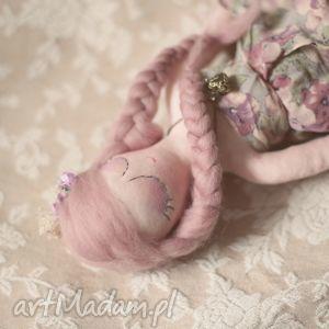 ręcznie wykonane lalki bajka w sweterku - melancholia